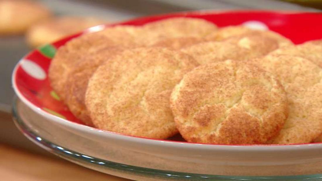 Trisha Yearwoods Snickerdoodle Cookies Rachael Ray Show