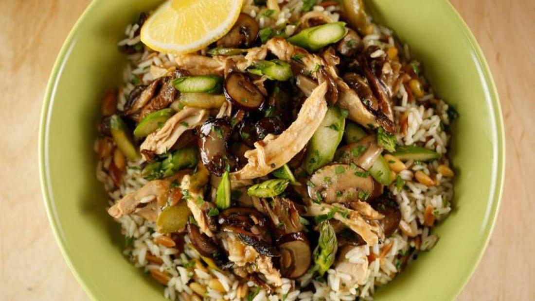 Mushroom Asparagus Chicken Saut 233 With Rice Pilaf