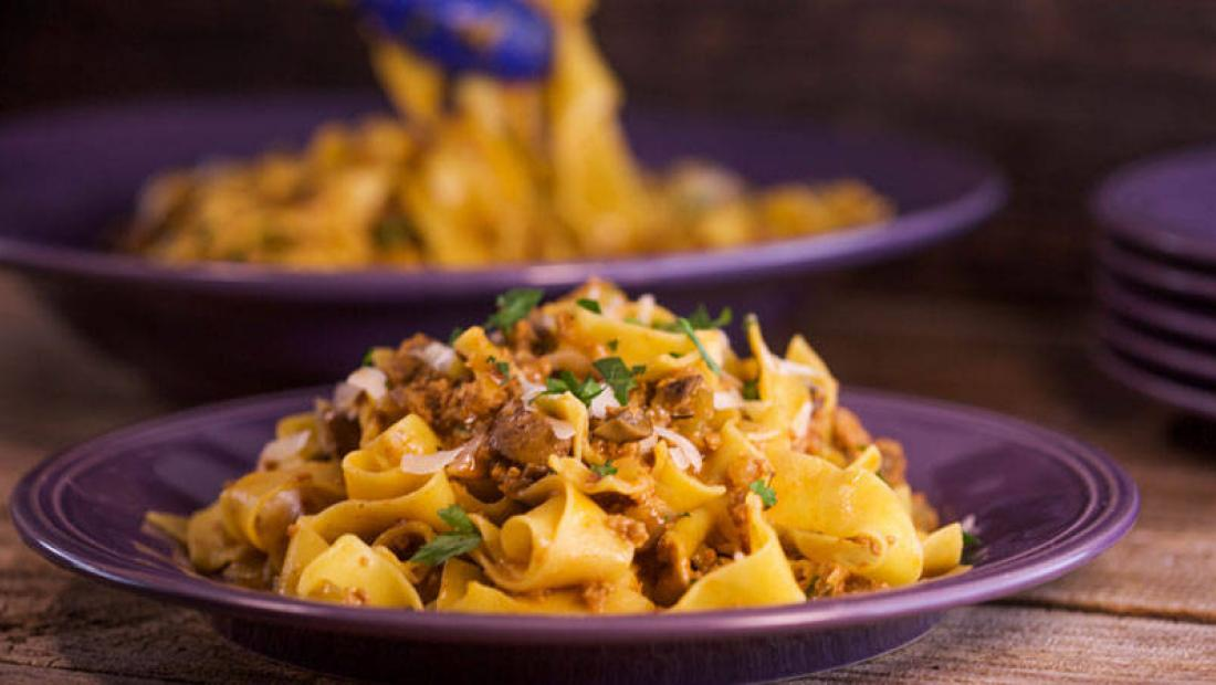 Veal Or Chicken Ragu With Mushrooms And Marsala Rachael Ray Show