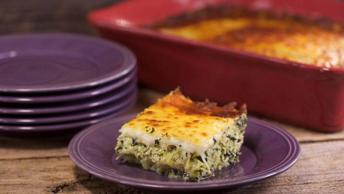Spaghetti Squash With Spinach And Ricotta Rachael Ray Show