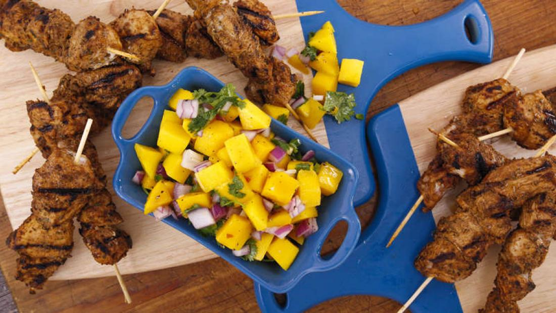 Jerk Rubbed Chicken Skewers With Mango Salsa Rachael Ray Show