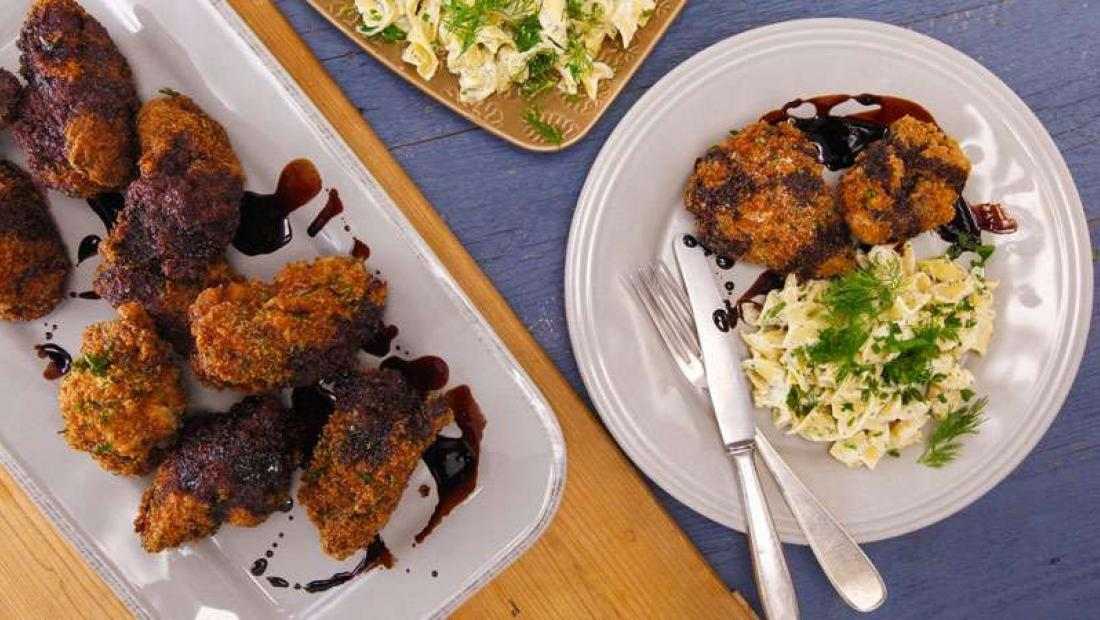 Coq Au Vin Fried Chicken And Ranch Noodles Rachael Ray Show