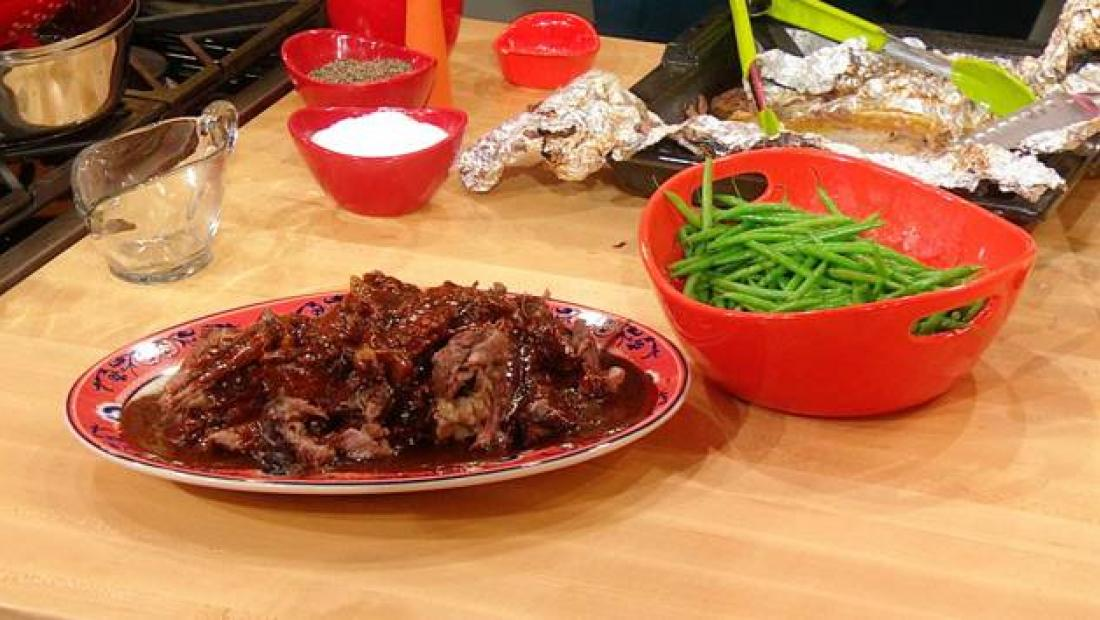 Trisha Yearwood's Roast Beef with Gravy