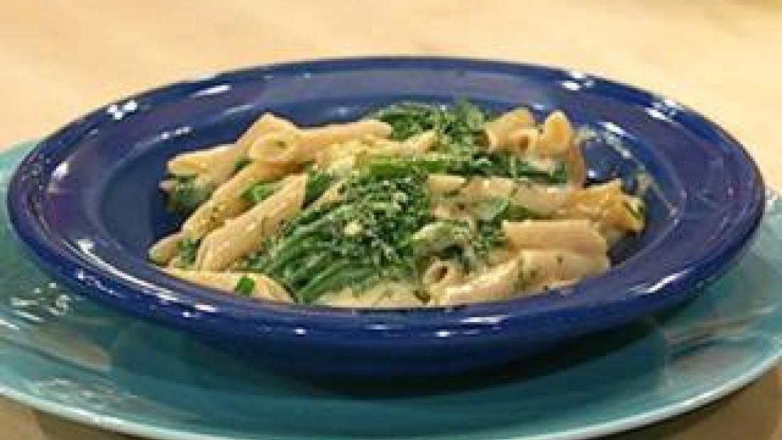 Broccoli And Cheddar Mac N Cheese Rachael Ray Show