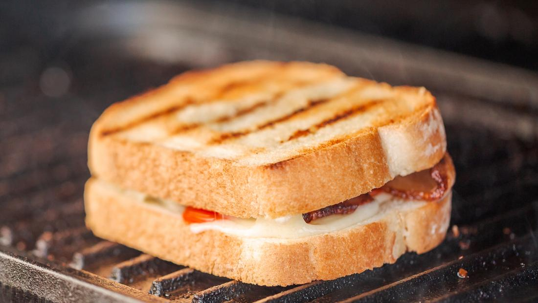 bacon tomato grilled cheese