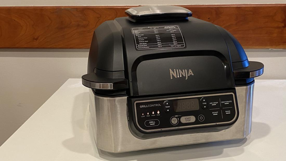 Ninja Foodi Grill Review We Tried All 5 Of The Internet Famous Indoor Grill S Features Rachael Ray Show