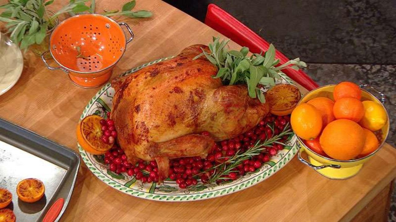 Simple Ways To Beautifully Garnish Thanksgiving Turkey Rachael Ray Show