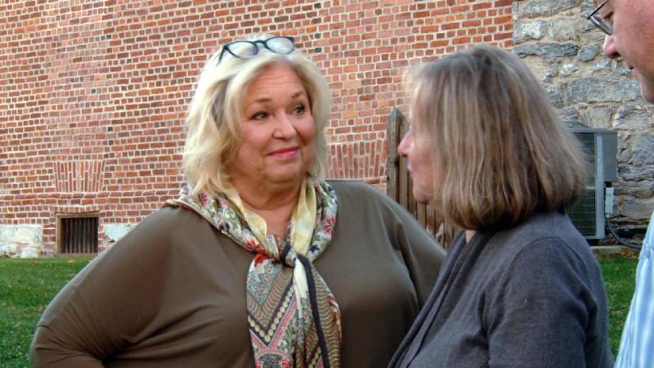 Take A Tour Of Nancy Fuller S Farmhouse Rachael Ray Show