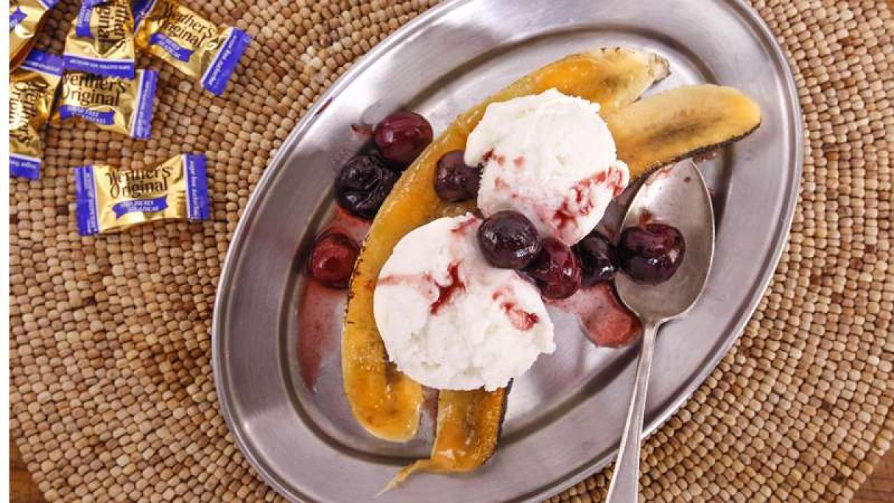 Bruleed Bananas with Frozen Yogurt