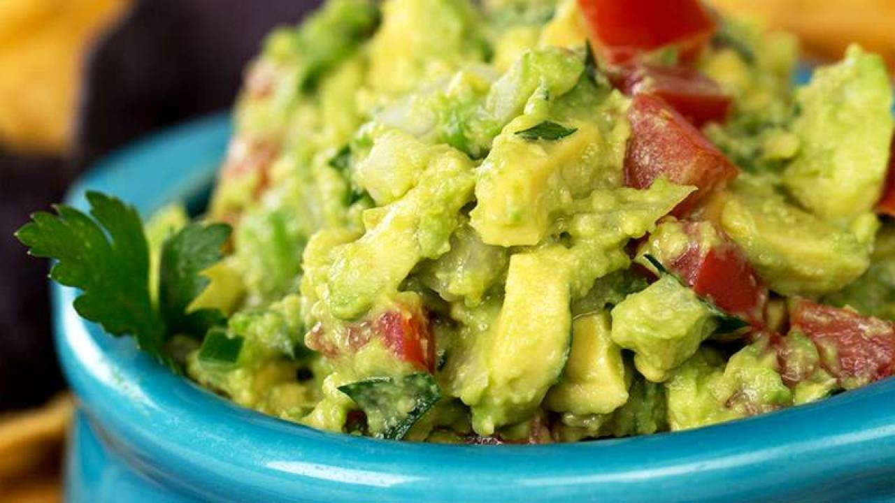 Quot Valor Quot Star Matt Barr Quot Attempts To Be Rachael Ray Quot With His Very Own Signature Guacamole