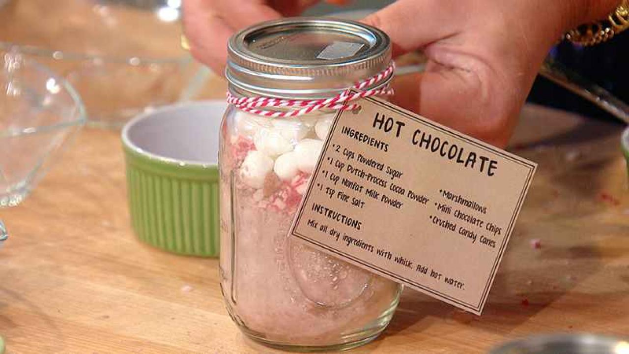 Easy DIY Gift Idea: Homemade Hot Chocolate Mix