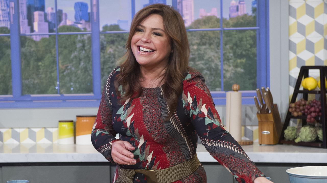 The Best Host Hostess Gift Ideas From Rachael That Aren T Wine Or Flowers Rachael Ray Show