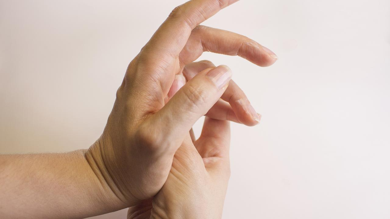 Pressure Points For Headaches: What Are They, How Can You Find Them + Do They Really Work?