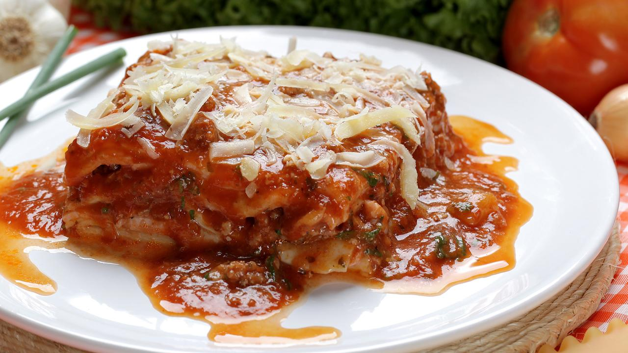How To Keep Lasagna From Being Watery, According To Rachael