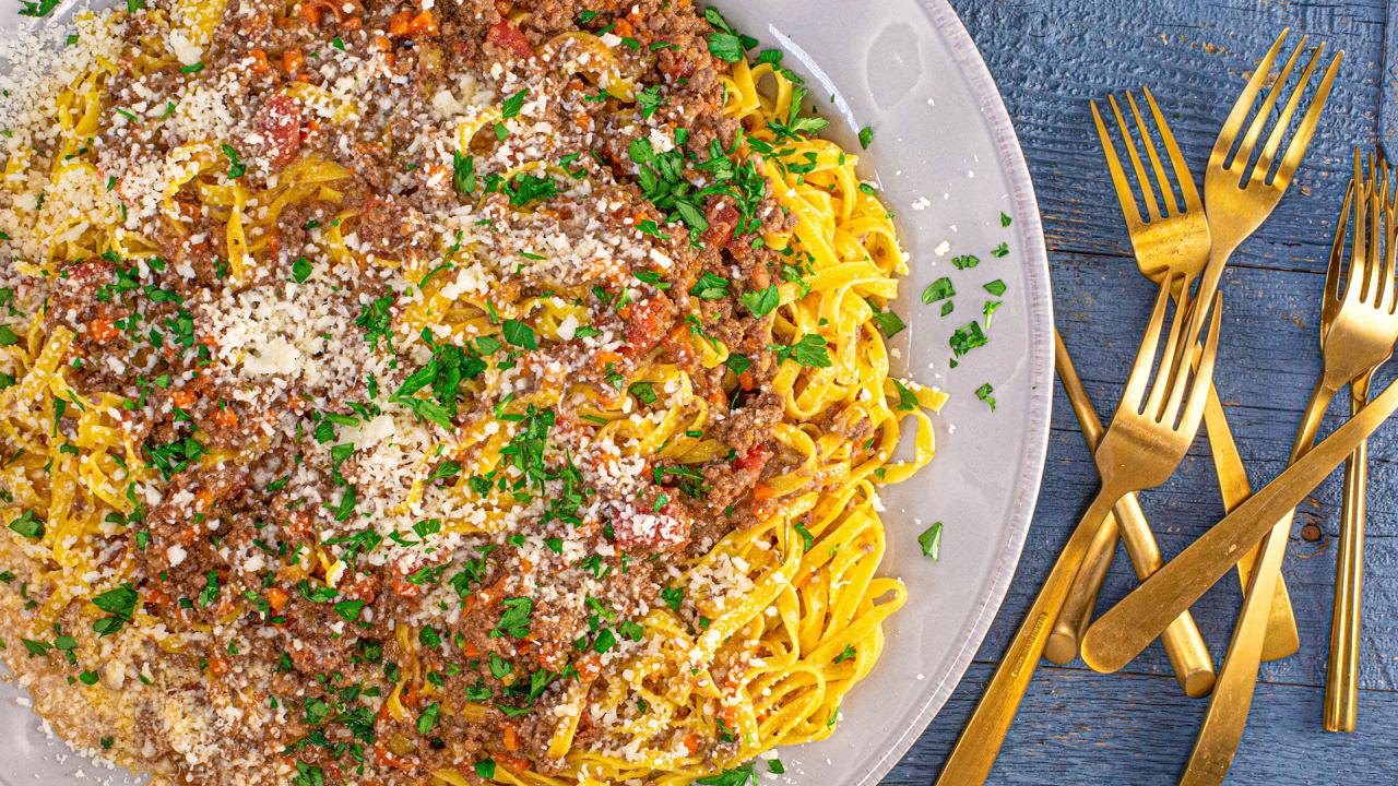 How To Make Bolognese Sauce with Tagliatelle From Rachael Ray 50