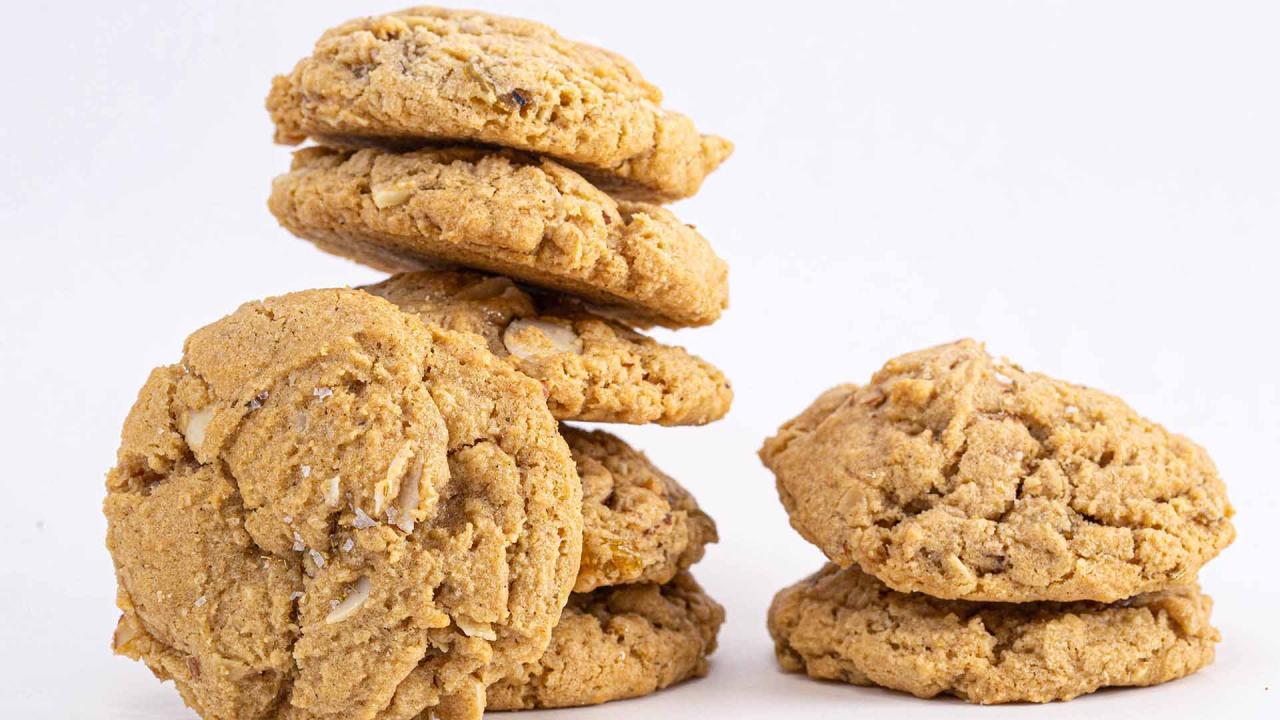Oatmeal-Fennel-Raisin Cookies Recipe