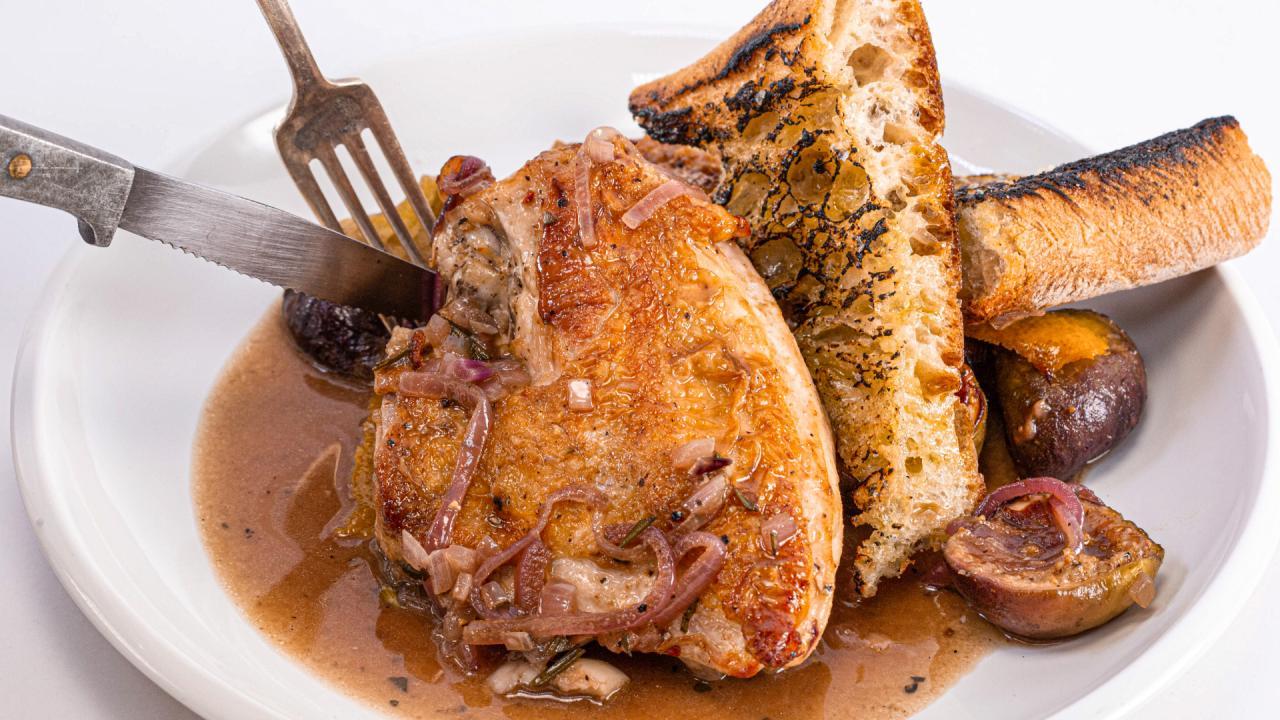 Skillet Chicken with Figs Recipe