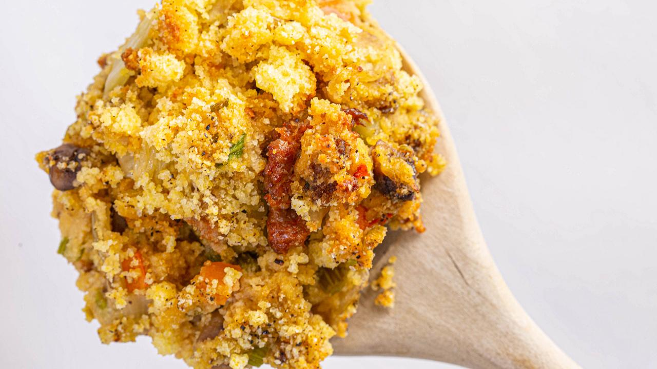 Sausage and Cornbread Stuffing Recipe