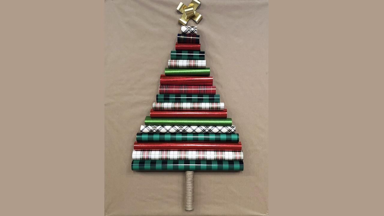 3 Diy Wall Christmas Tree Ideas Perfect For Small Spaces Flipboard