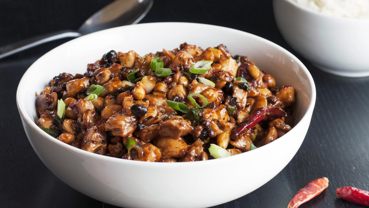 Chicken Stir Fry With Black Beans, Chiles & Peanuts Is a Bowl-Licker