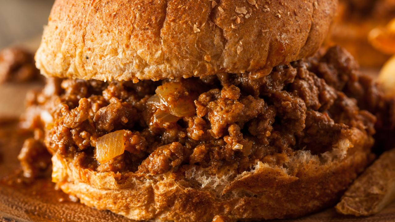 Sausage, Pepper & Onion Sloppy Joes