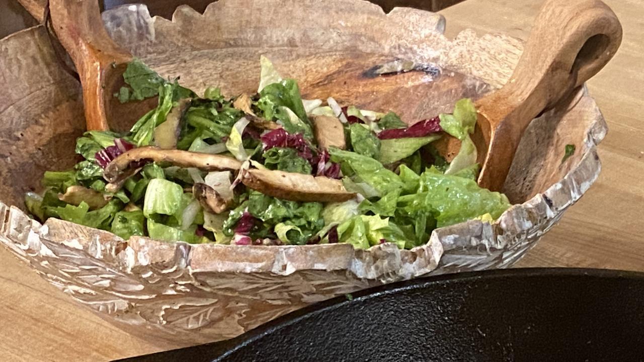 Raw Mushroom And Escarole Salad Recipe From Rachael Ray Rachael Ray Show