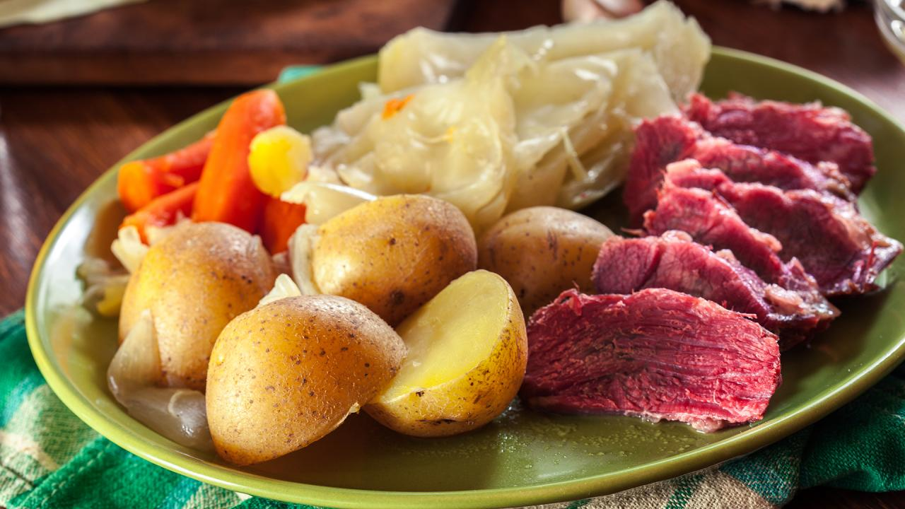 Corned Beef And Cabbage Recipe From Rachael Ray Rachael Ray Show