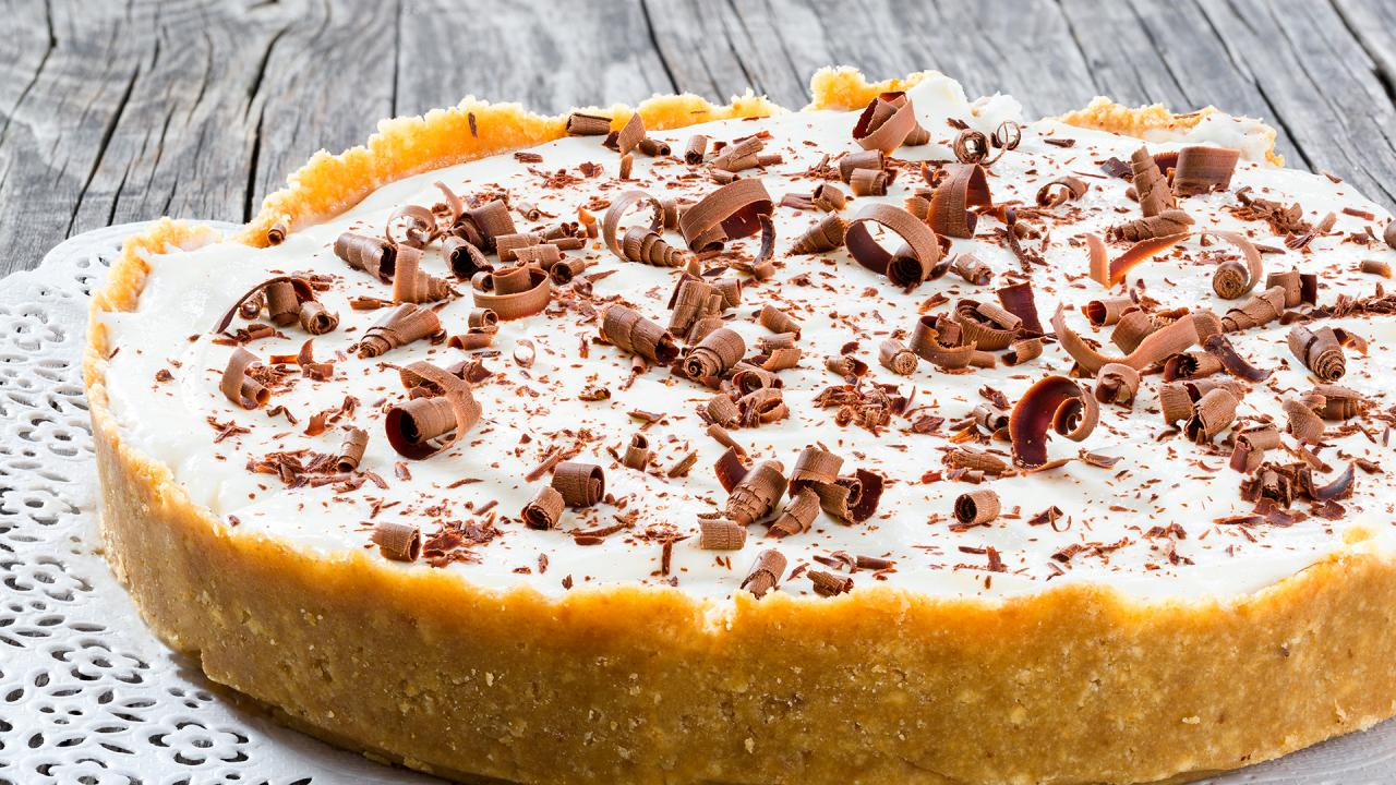 Royal Family Chef Shares Her Banoffee (Banana Toffee) Pie Recipe
