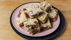 Broken Bunny Blondies