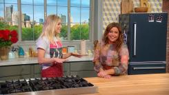 Rachael Ray and Jenny Mollen