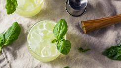 lemon vodka spritzer