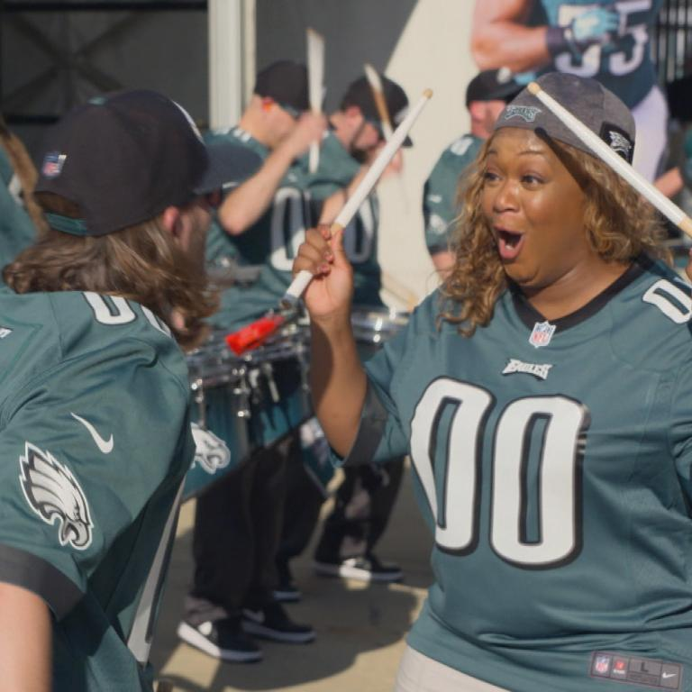 Sunny Anderson with the Eagles' Drumline