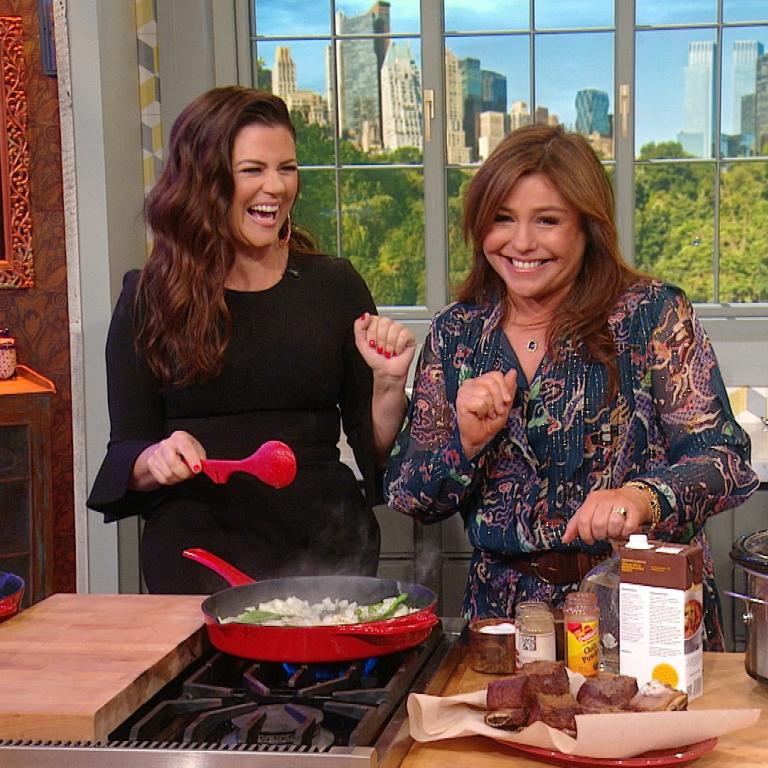 Tiffani Thiessen + Rachael Ray