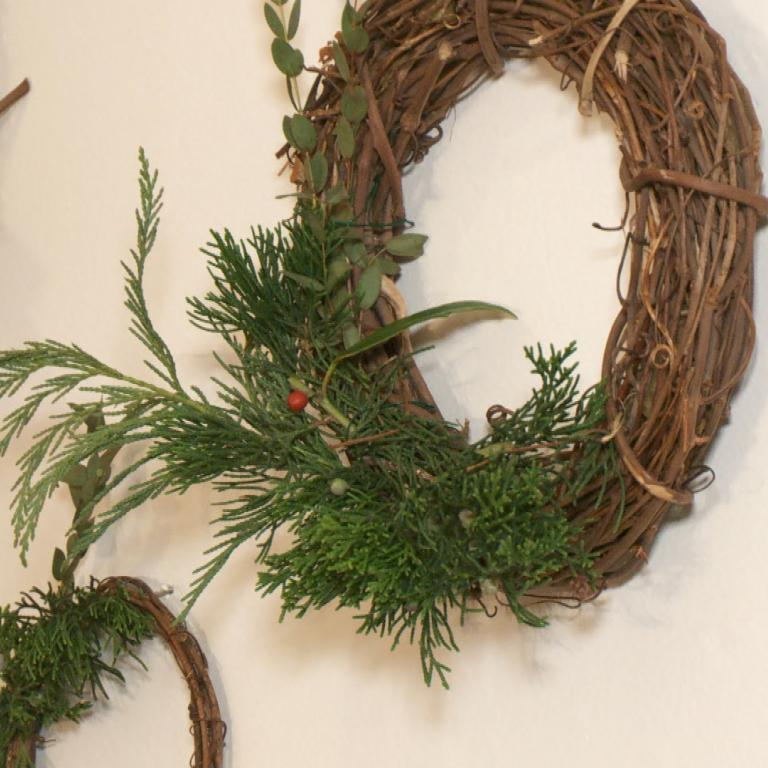 Christmas Wreath Wall