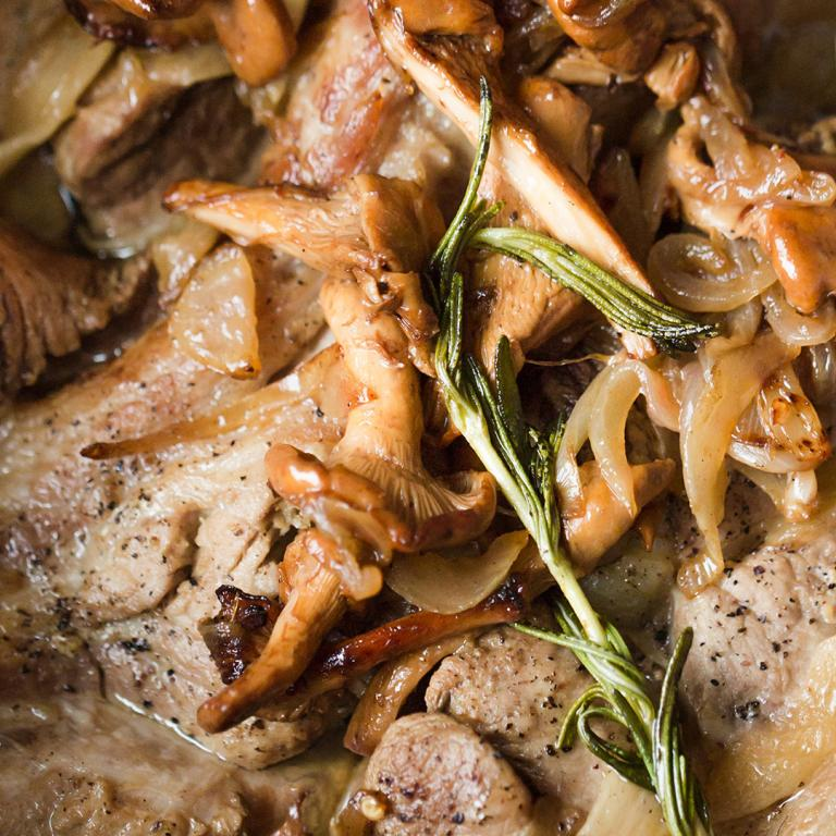 Braised Country-Style Spare Ribs with Caramelized Mushrooms