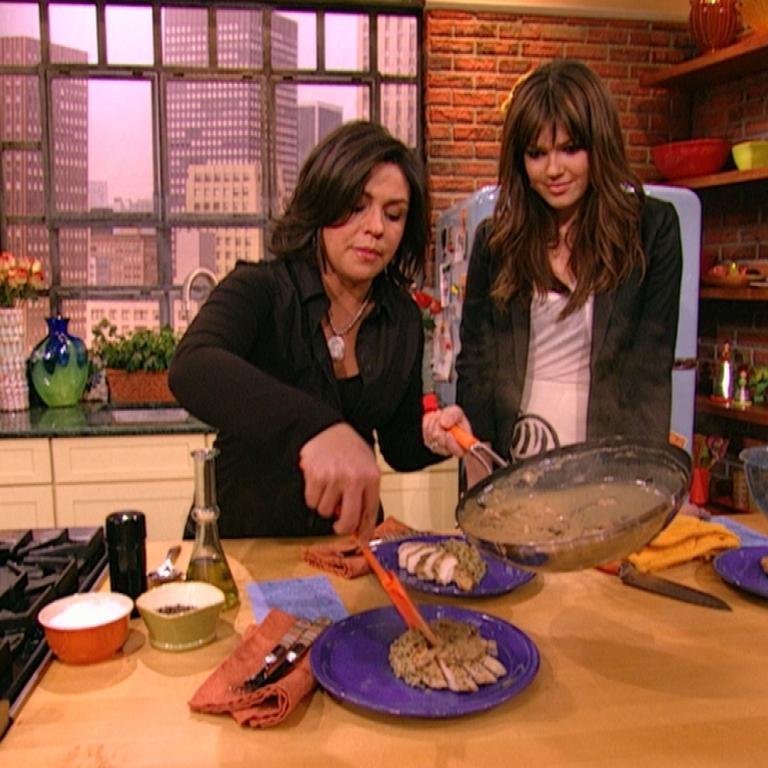 Chicken with Mushroom-Dijon Gravy with Mandy Moore