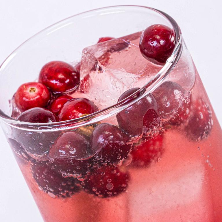 candy apple cocktail