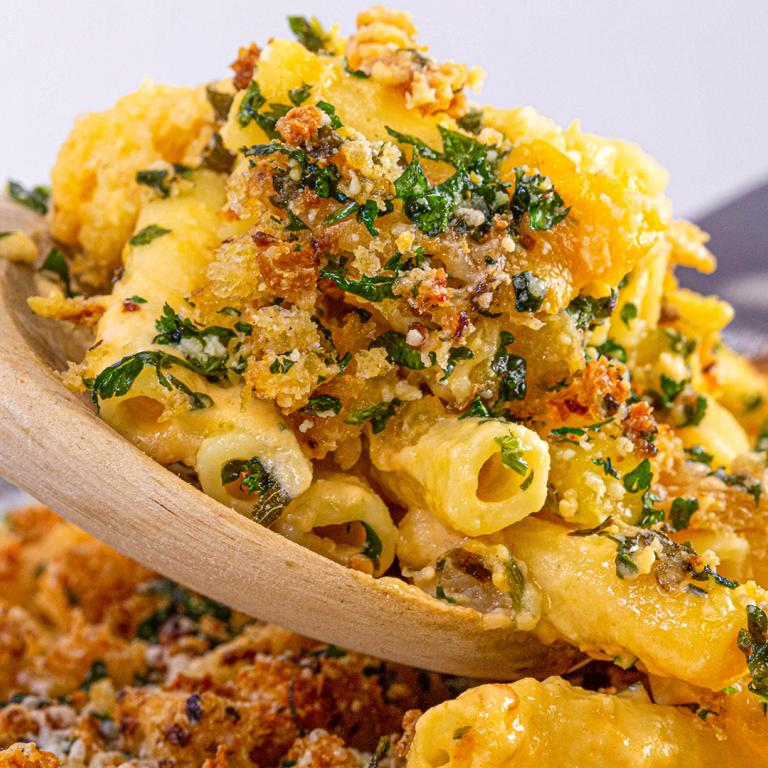 breadcrumb mac and cheese