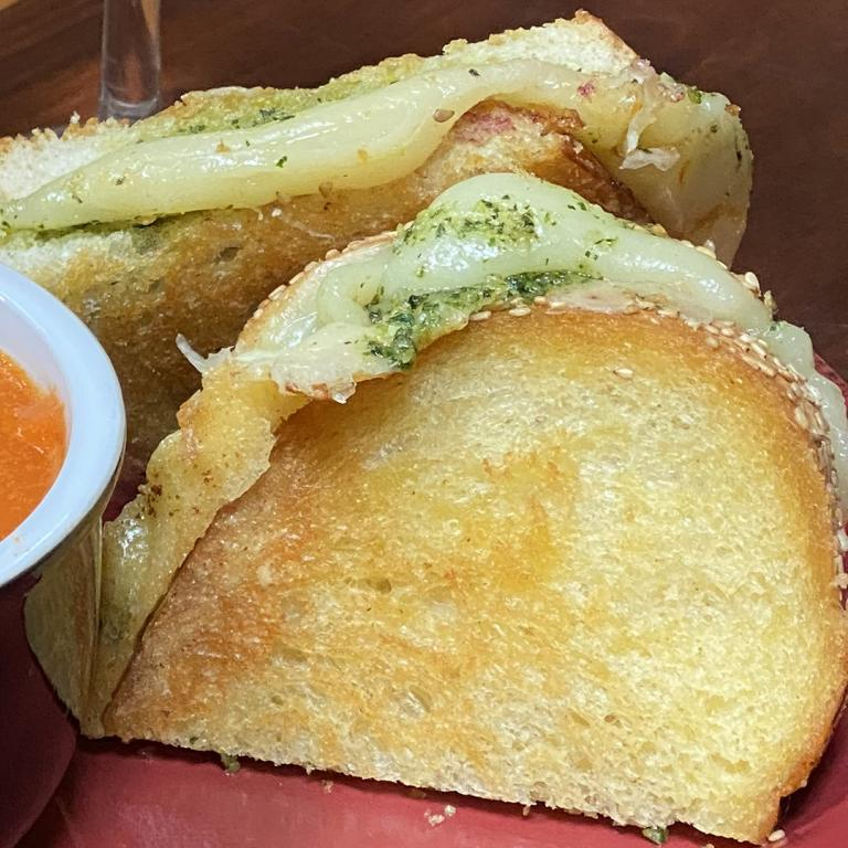 Grilled Cheese with Basil-Mint Pesto