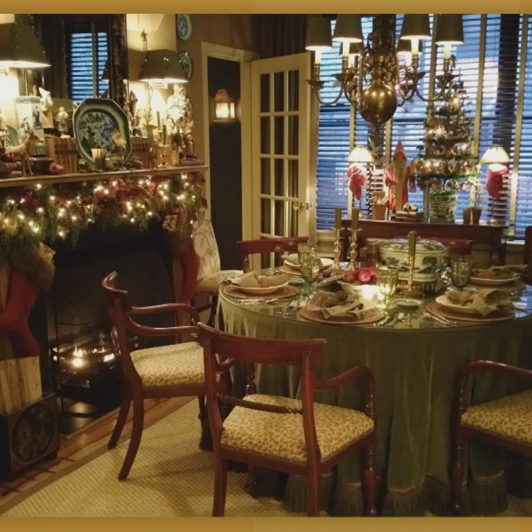 Mr. Christmas home dining room