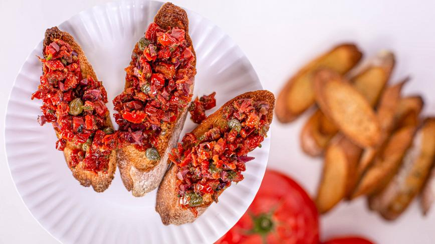 sundried tomato crostini