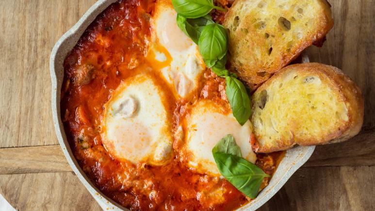 Shakshuka in Pork Ragu