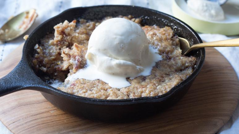 Sticky Date & Pecan Pudding