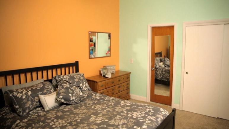 Kelsey's original orange and pistachio color scheme