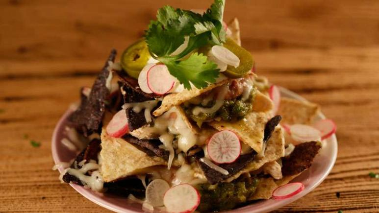 11 Of Rachaels Best Nacho Recipes Of All Time Rachael Ray Show