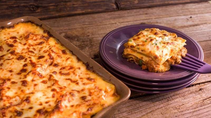 Lasagna With Meat Ragu Rachael Ray Show
