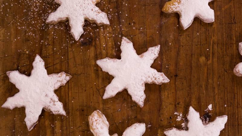 2 Ingredient Snowflake Christmas Cookies Rachael Ray Show