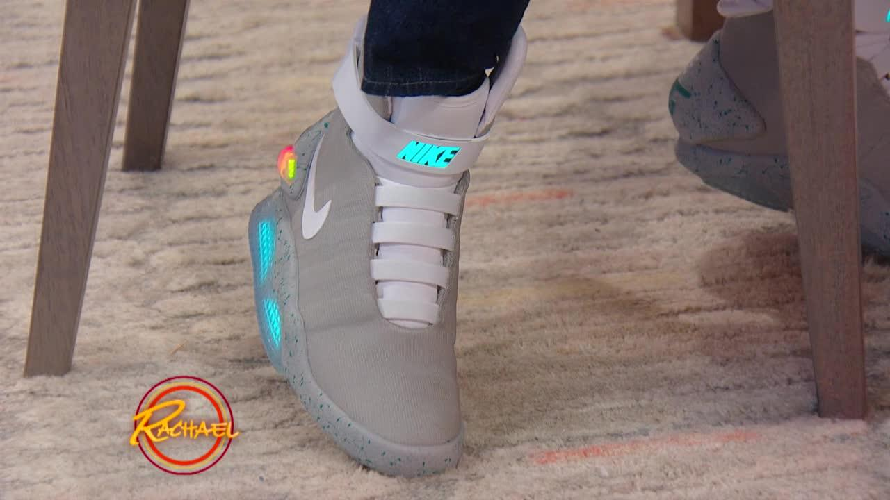 51f474a97bcae Michael J. Fox Shows Off His 'Back to the Future' Self-Tying Shoes ...
