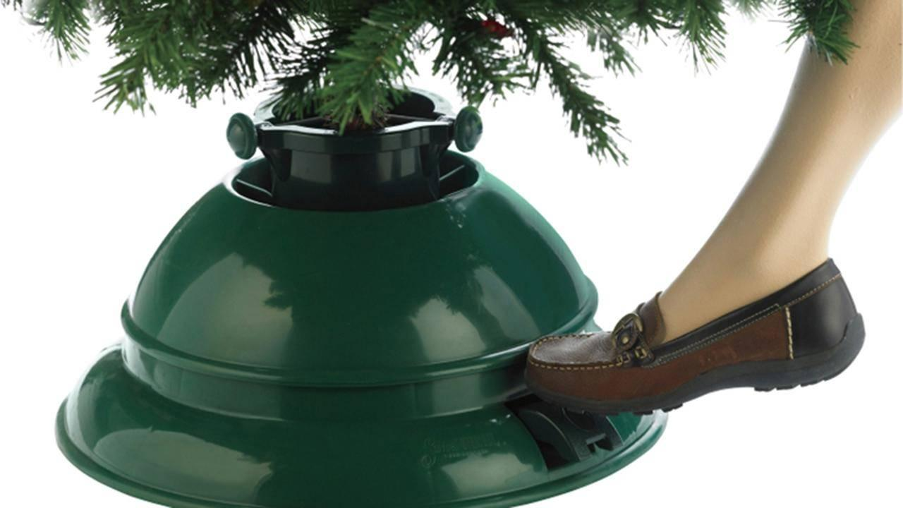 Christmas Tree Stands.Viewer Test 1 Minute Christmas Tree Stand Rachael Ray Show