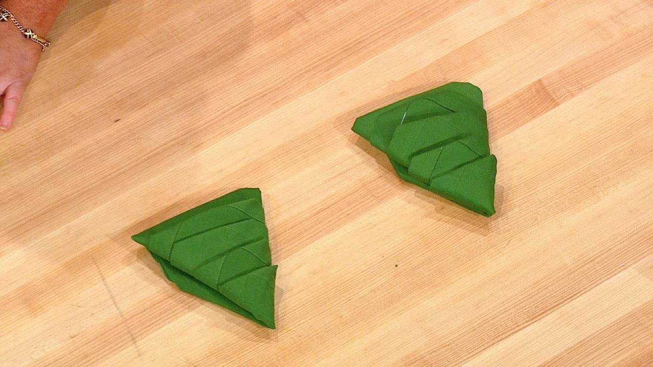 How To Fold Napkin Into Christmas Tree.How To Fold Your Dining Room Table Napkins Into Christmas